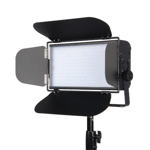 Светодиодный осветитель GreenBean StudioLight 100 LED DMX 27642