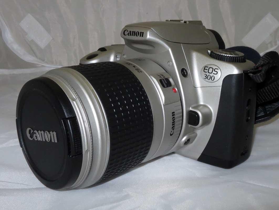 Фотоаппарат Canon EOS 300 kit 28-90 f4-5,6 б/у