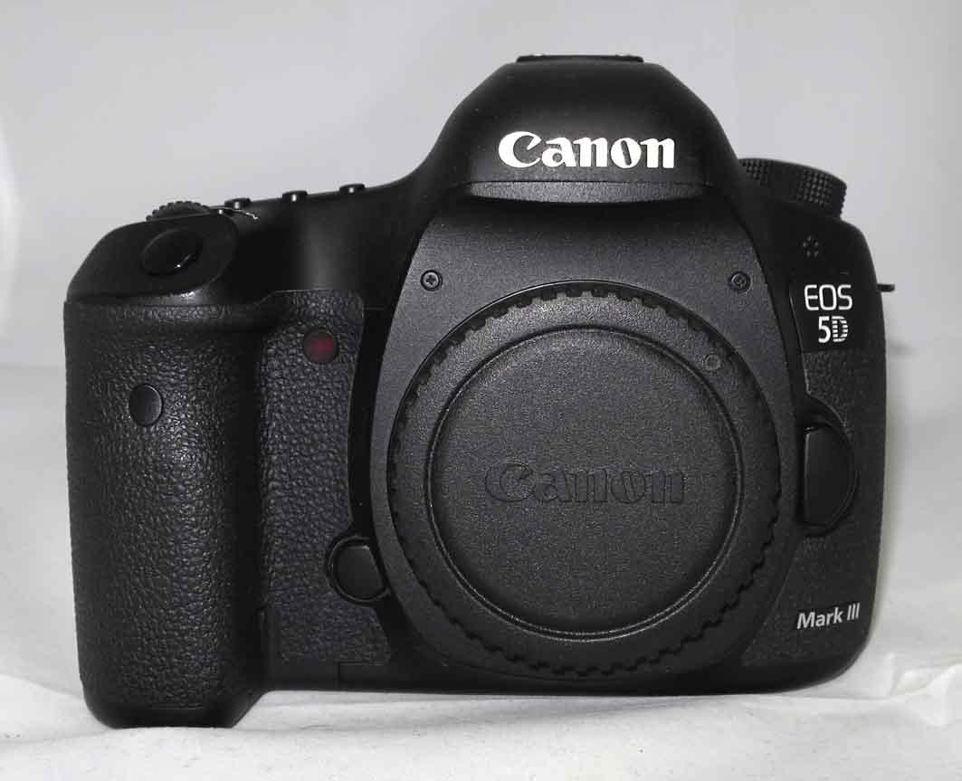 Фотоаппарат Canon EOS 5D Mark III body б/у.