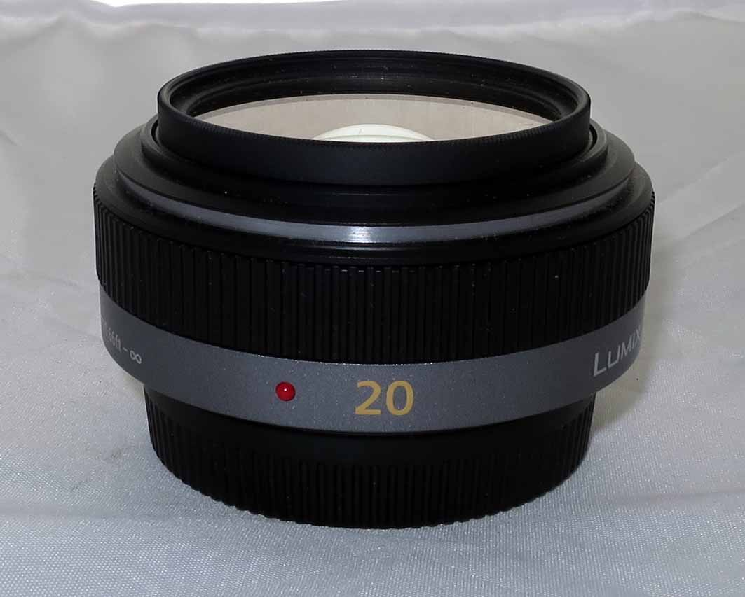 Объектив Panasonic Lumix G 20 мм / F1.7 ASPH б/у