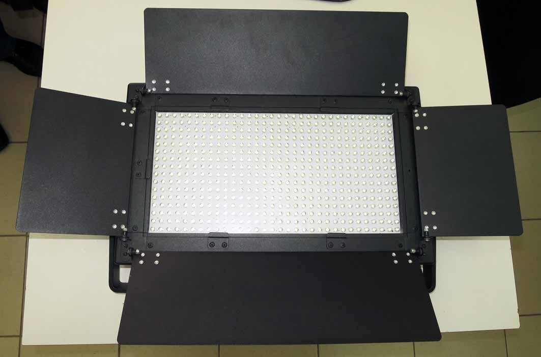 Панель Falcon Eyes LG 500 светодиодная б/у