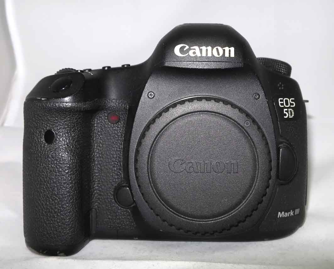 Фотоаппарат Canon EOS 5D Mark III body б/у3