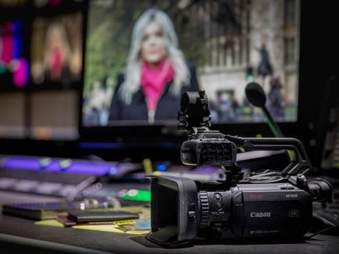 Видеокамера Canon XF405/XF400 описание
