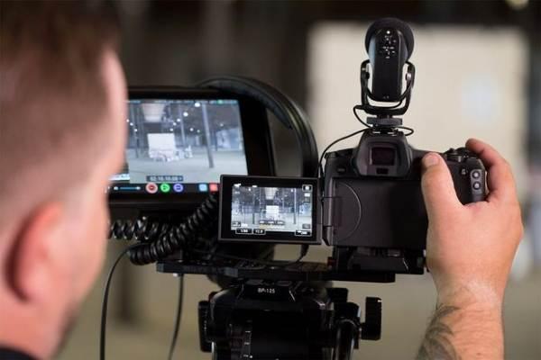 Фотокамера Canon EOS R описание